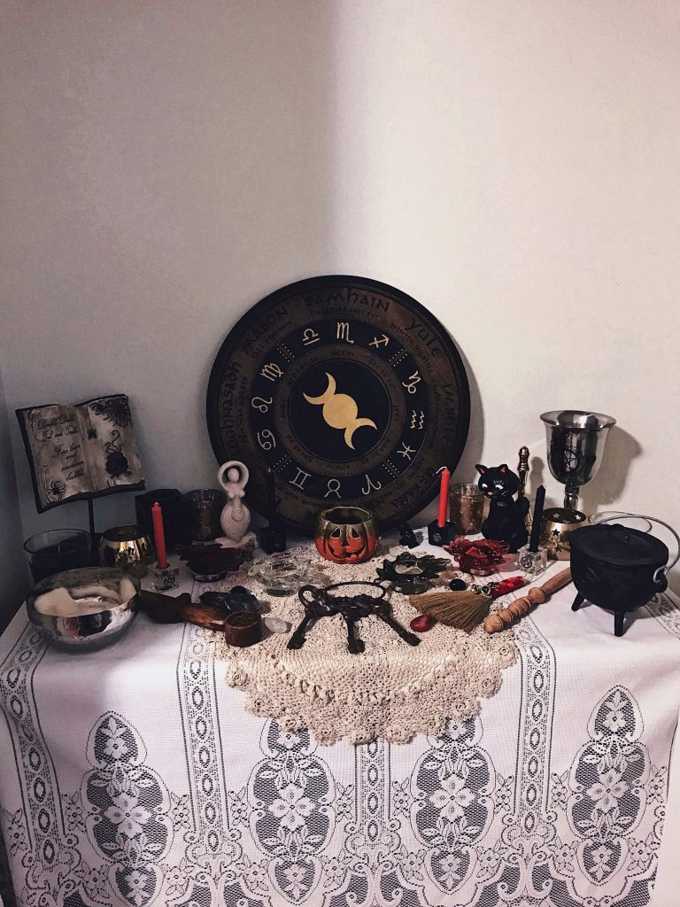 Samhain 2018 Pagan altar | WitchcraftedLife.com