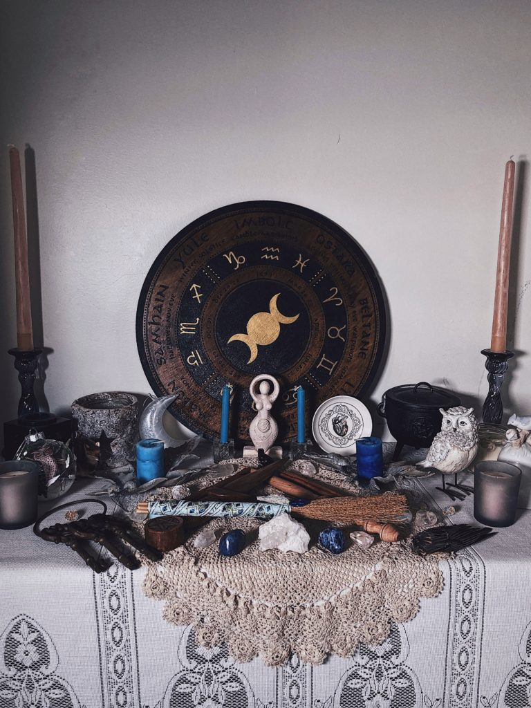Tour of a Pagan witch's Imbolc altar